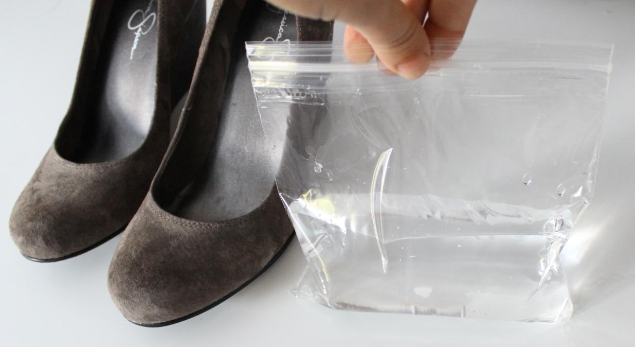 Как растянуть замшевую обувь в домашних условиях - Советы 77