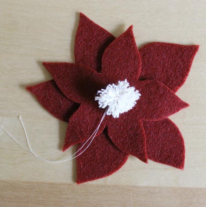 Better Remade - Felt poinsettia garland