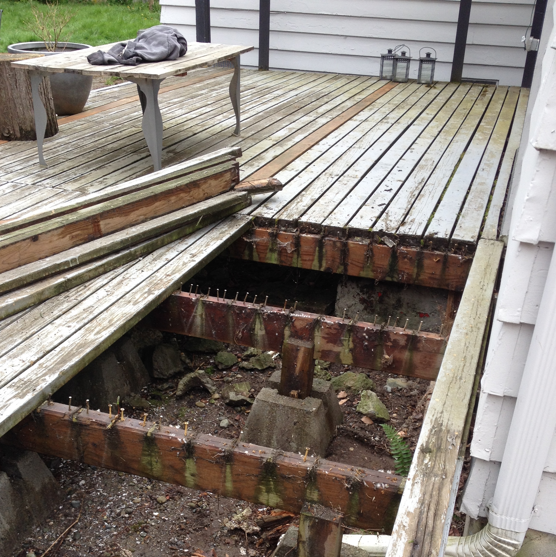 Our deck it s been a long 3 months better remade Floating deck cinder blocks